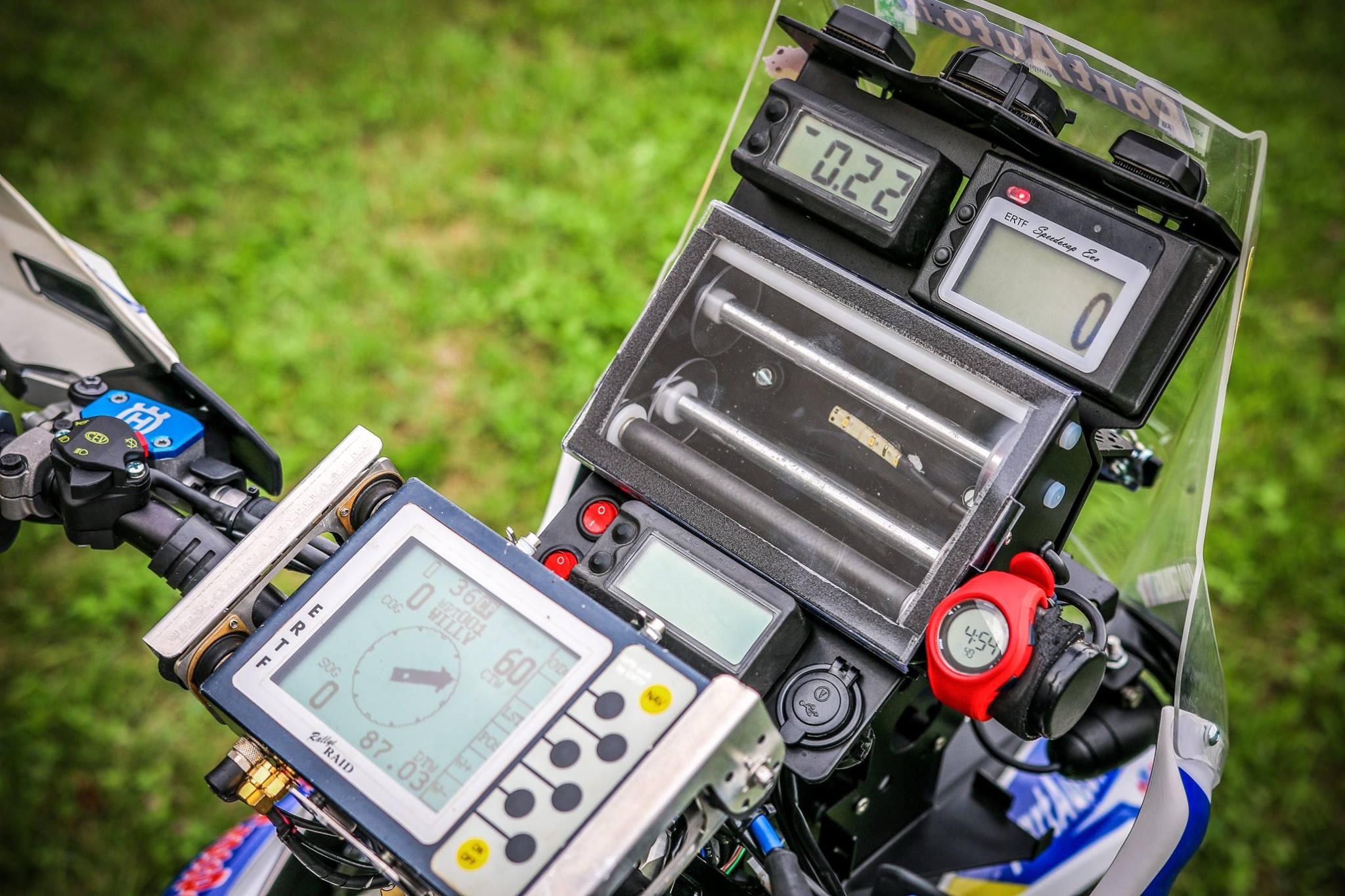 New Husqvarna Fe Rally Kit Rebel X Sports Srl Ktm Exc Fuse Box Roadbook Holder Bracket Versatile Tripmaster Speedocaps Brackets 3 Gps Antennas Smalltrack Iritrack